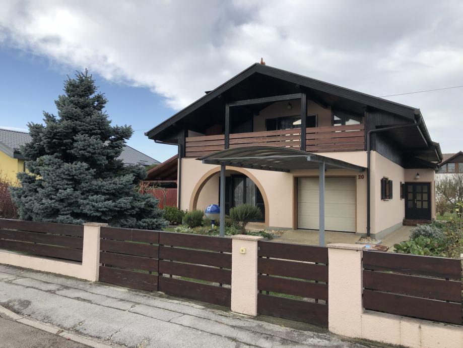 Kuća: Čakovec - Jug, ~230.00 m2 (Sniženo na 165.000€) (prodaja)