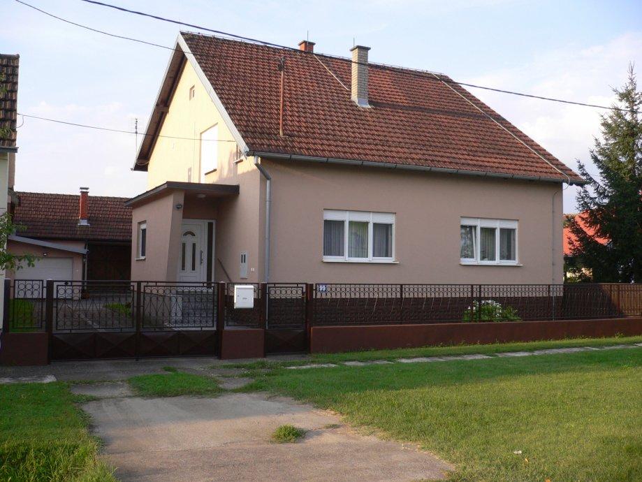 Kuća: Cerna, visoka prizemnica, 206 m2 (prodaja)
