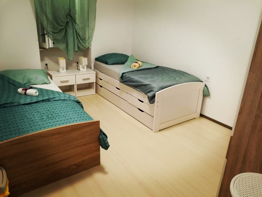 Kuća: Gologorički Dol, katnica, 65.00 m2 (iznajmljivanje)