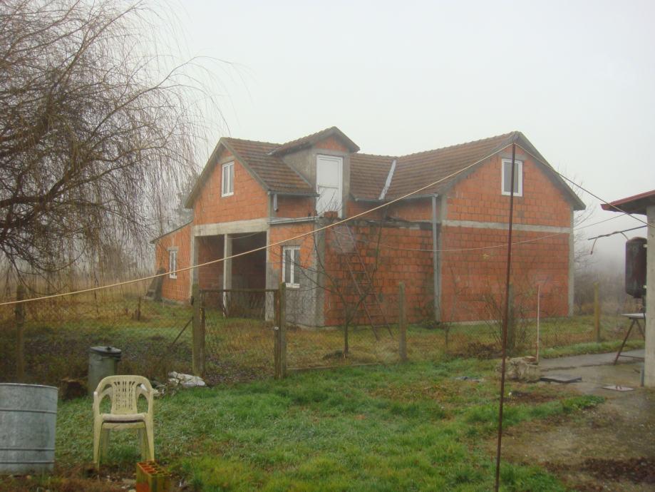 Kuća: Greda, prizemnica, 222 m2 (prodaja)
