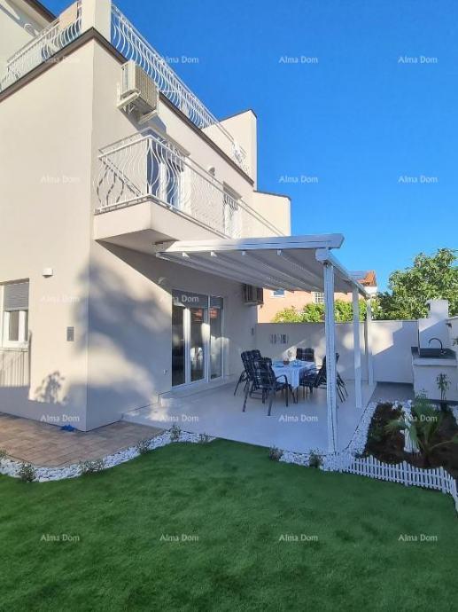 Kuća Medulin, kuća 500 metara od plaža i mora. (prodaja)