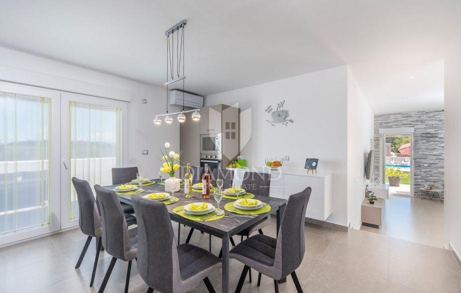 Kuća Novigrad, 131m2 (prodaja)