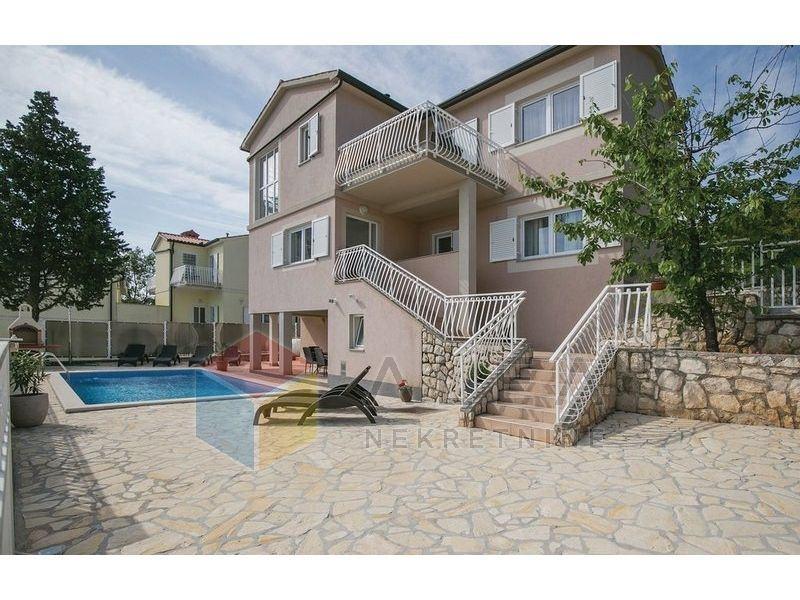 Kuća za odmor  s bazenom i prekrasnim pogledom na more (prodaja)