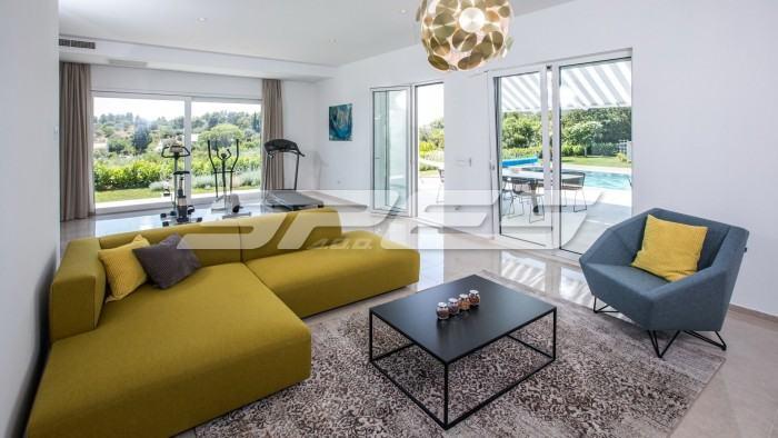 Kuća: Orašac, katnica, 218.00 m2 (prodaja)