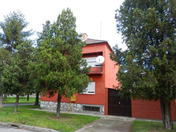 Kuća: Osijek, Vukanska, katnica, 130.00 m2 (prodaja)