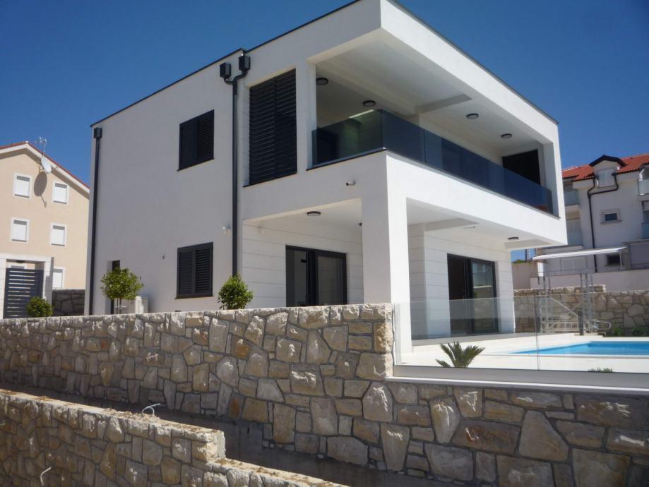 Luksuzne moderne vile od 200m2, s pogledom na more, Povljana (prodaja)