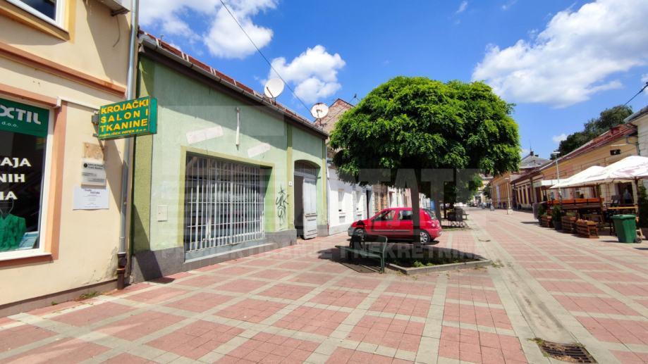 Kuća za rekonstrukciju / rušenje, 257 m2 zemljište, Sunčana