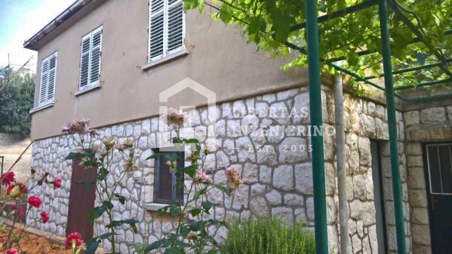 Dubrovnik, kuća za renovaciju na prostranoj parceli / OBITELJSKA KUĆA (prodaja)