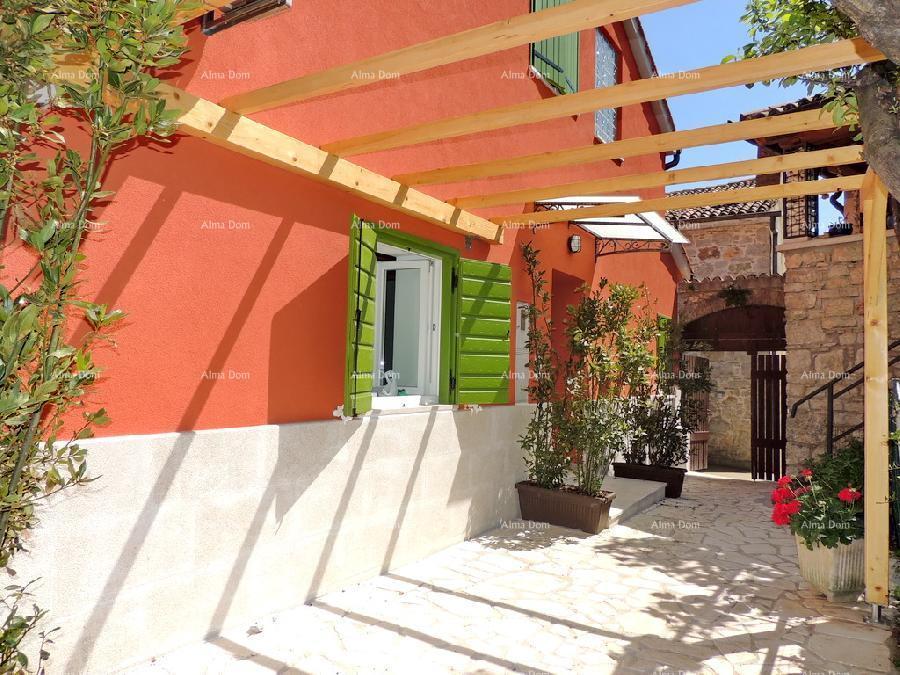 Kuća Renovirana kuća u samom centru Vrsara - blizina plaže (prodaja)