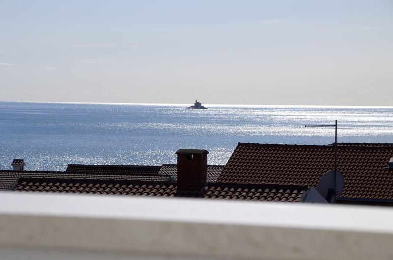 Kuća Rogoznica okolica blizu mora,pogled,velika terasa!!! (prodaja)