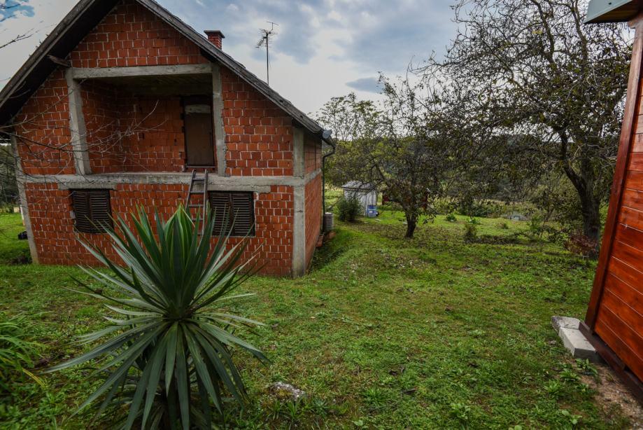 ŽIVjETI U PRIRODI? Predivna parcela - vrt voćnjak rohbau kuća 60.00 m2 (prodaja)