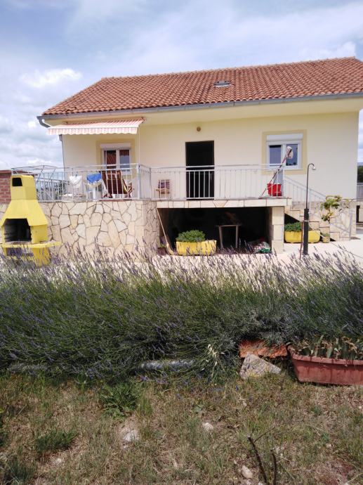 Kuća: Slivnica, visoka prizemnica, 90.00 m2 , NAJAM OD 01.06.2020 (iznajmljivanje)