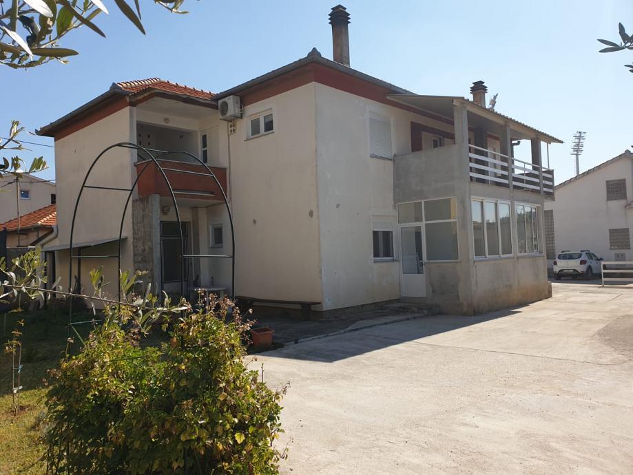 Kuća: Zadar, katnica, 300.00 m2 (prodaja)