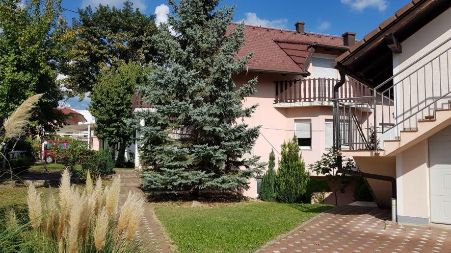 Kuća: Zagreb (Remete), katnica, 561.00 m2 (prodaja)