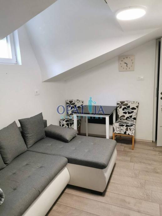 LOVRAN - Stan, 2S+DB, 108 m2 (prodaja)