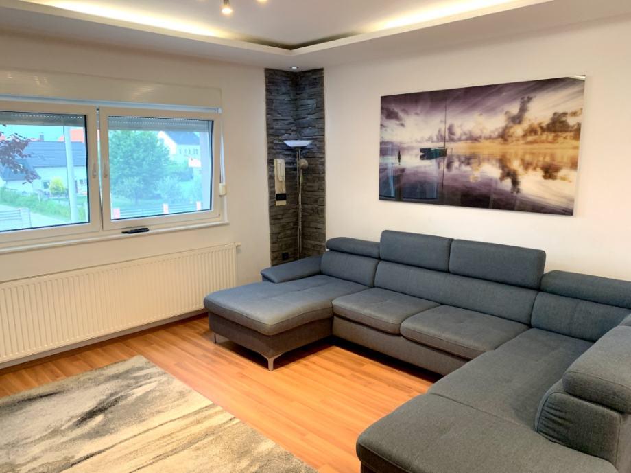 PRILIKA: Luksuzan 4-s stan u urbanoj vill, top lokacija, Strmec (prodaja)