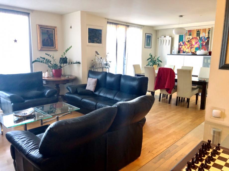 Luksuzan stan na Ksaveru (132 m2) s velikom terasom i pogledom na grad (prodaja)
