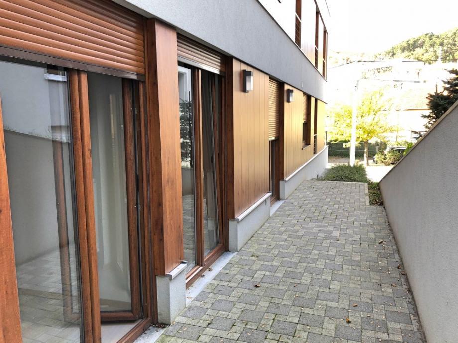 Luksuzan stan u PP Medvednica (128 m2), četversoban, garaža, terasa (prodaja)