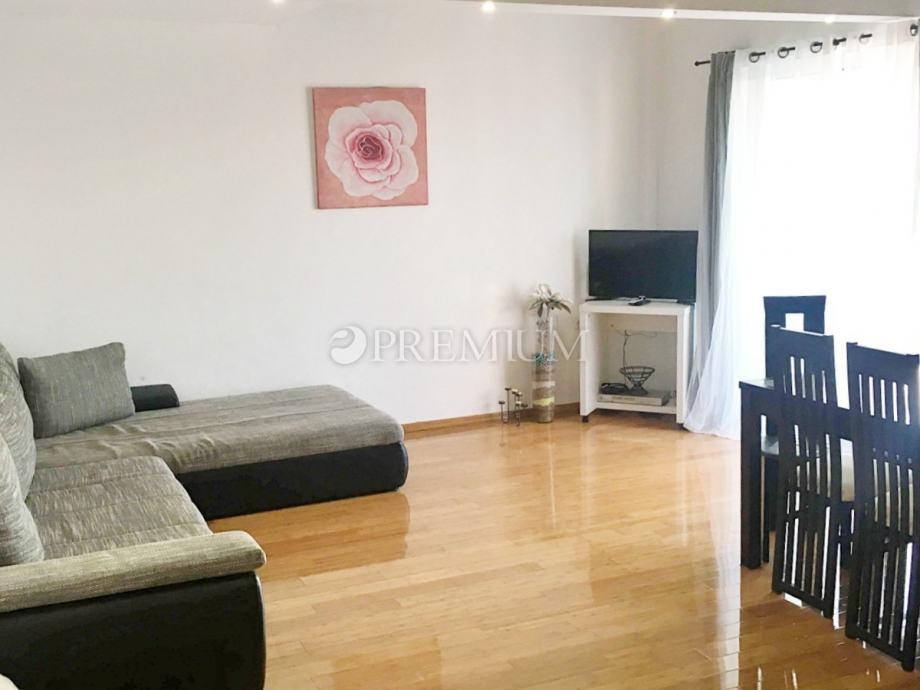 Malinska, prodaja, apartman od 69 m2 u prizemlju sa terasom i vrtom, 3 (prodaja)