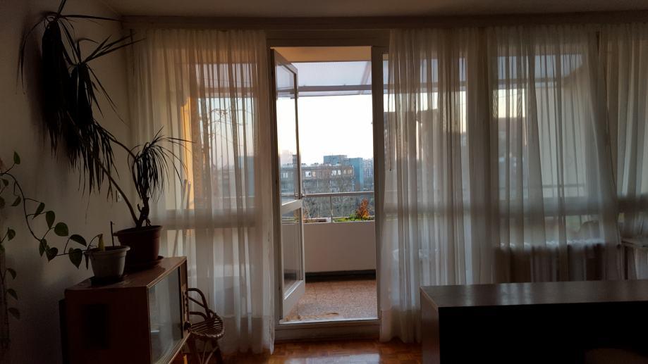 Mijenjam ili prodajem 3-sobni stan Travno 73 m2 za manji, nije Mamutic (prodaja)