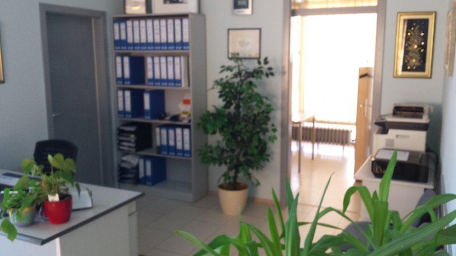 Mile Budaka, Sl. Brod, POSLOVNI PROSTOR 200 m2, za uredsku djelatnost. (prodaja)
