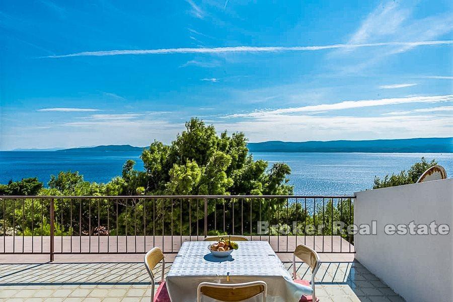 ***Omiš rivijera, apartmanska kuća s odličnim pogledom na more*** (prodaja)