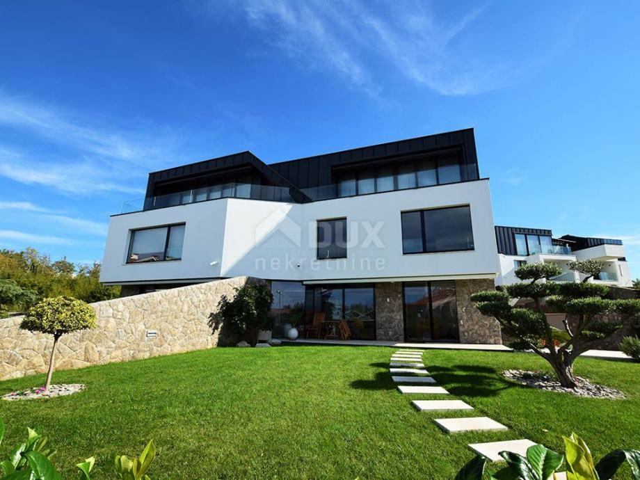 Otok Krk, Malinska - Luksuzni apartman u blizini mora (prodaja)
