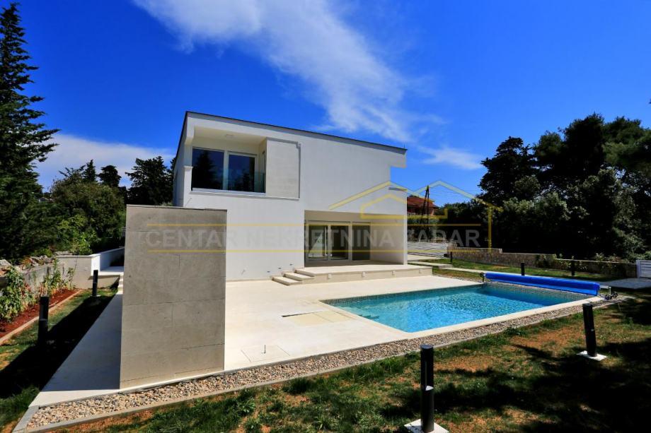 Otok Ugljan, Muline, nova luksuzna obiteljska katnica s bazenom (prodaja)
