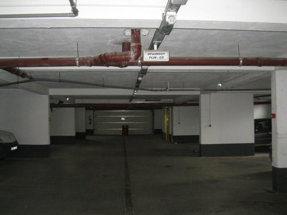 PARKIRALIŠNO MJESTO 16,36 m2 - GARAŽA (prodaja)