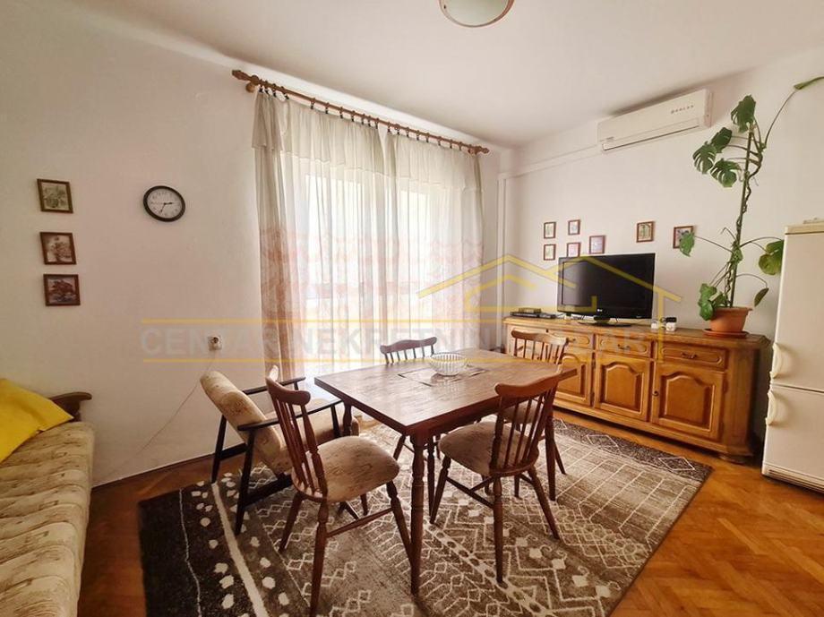 Poluotok, dvosobni stan na odličnoj gradskoj lokaciji - 63 m2 (prodaja)