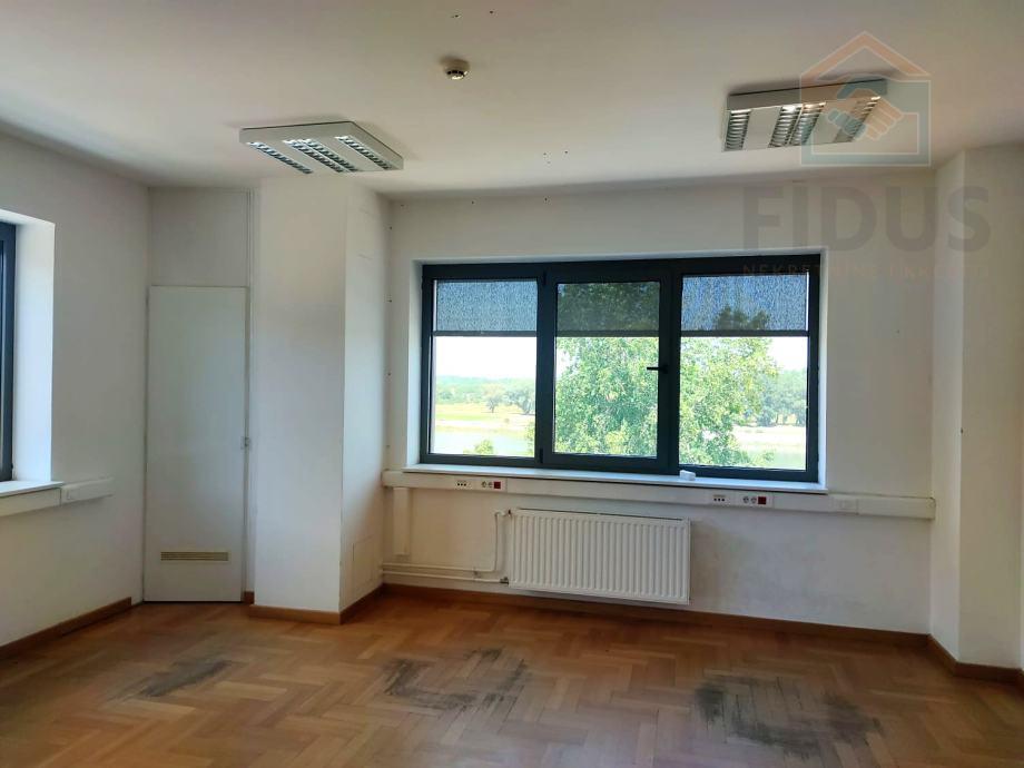 Poslovni prostor na atraktivnoj lokaciji - centar Osijeka (iznajmljivanje)