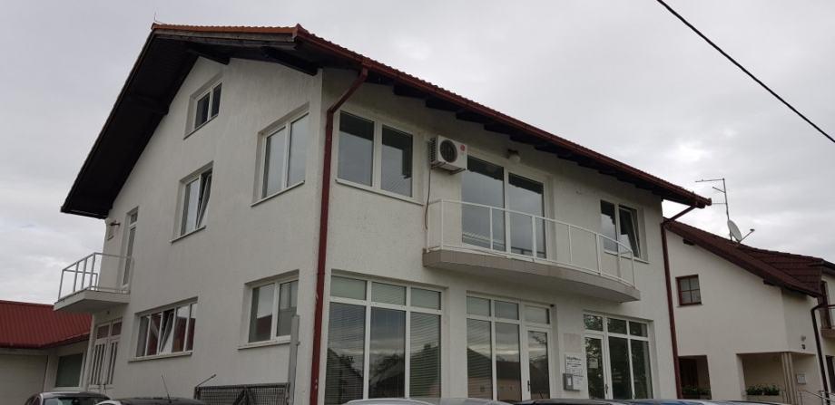 Stambeno-poslovni prostor-višenamjenski, 120 m2 (iznajmljivanje)