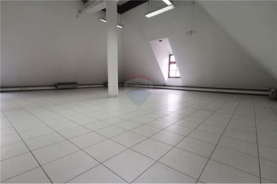 Poslovni prostor CENTAR 179m2 NAJAM ili PRODAJA (iznajmljivanje)