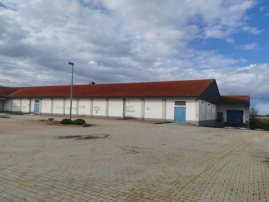 Poslovni prostor: Đakovo, 1950 m2 (iznajmljivanje)