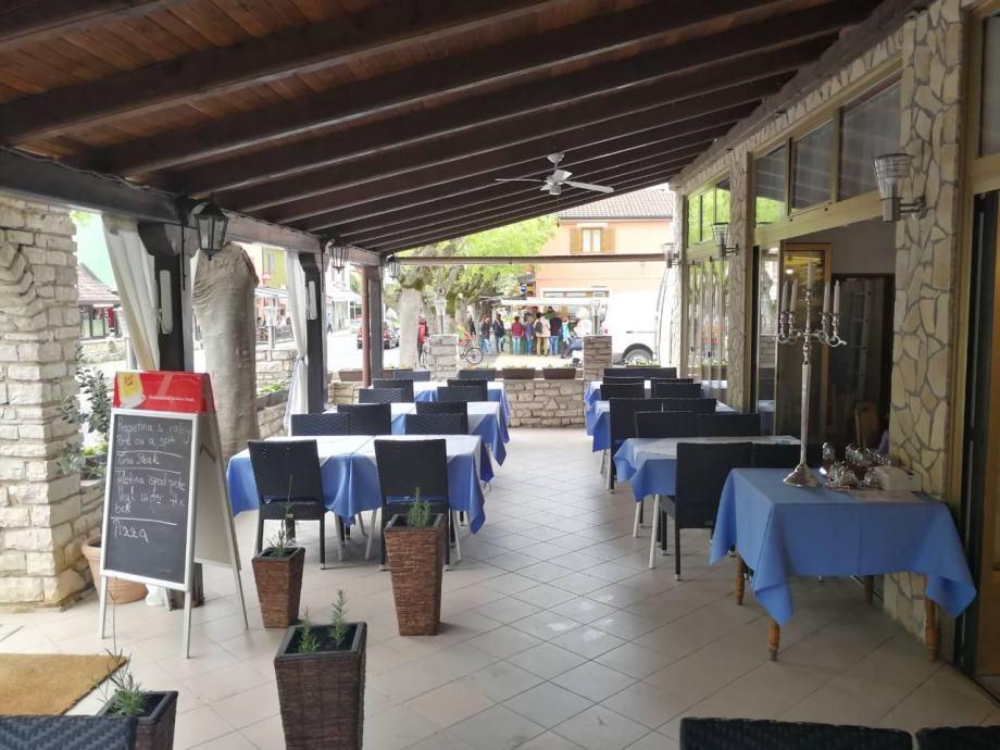 Poslovni prostor: Novigrad, ugostiteljski, 100 m2 (iznajmljivanje)