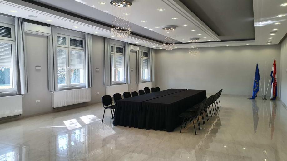 Poslovni prostor kod Kauflanda: Osijek, 148 m2 (iznajmljivanje)