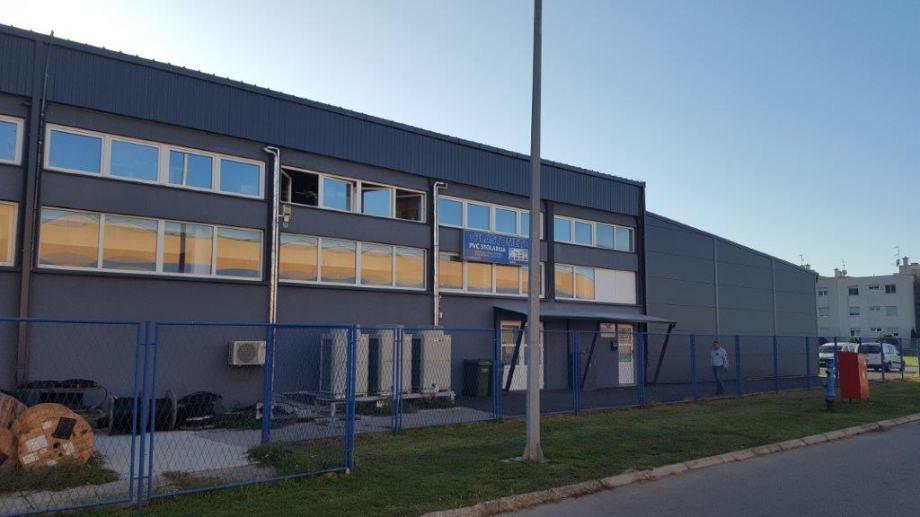 Poslovni prostor: Osijek, uredski, 1000 m2 (iznajmljivanje)