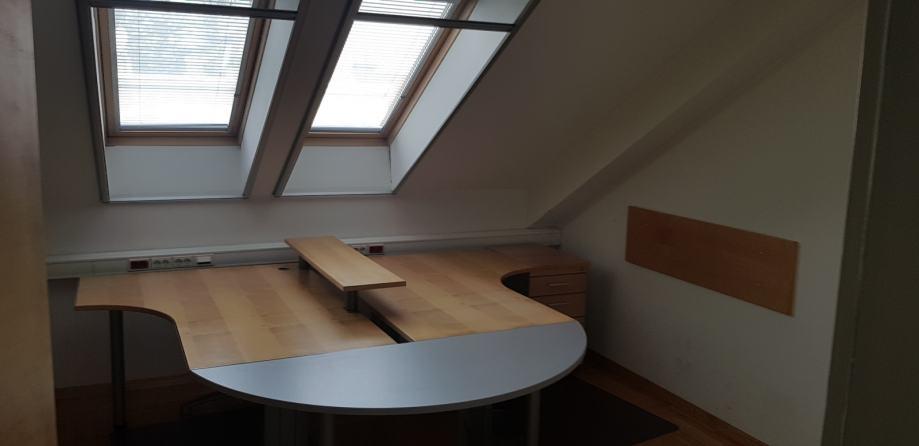 Poslovni prostor: Sisak, uredski, 131,34 m2 (iznajmljivanje)