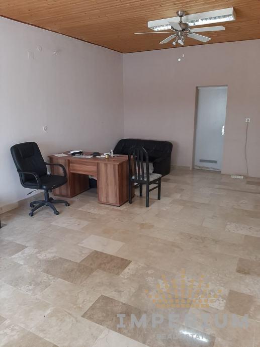 Poslovni prostor: Solin, uredski, 70 m2 (prodaja)