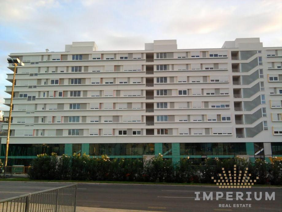 Poslovni prostor: Split, uredski, 194,50 m2 (prodaja)