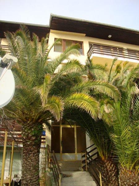 POSLOVNO STAMBENA Kuća: Starigrad, dvokatnica, 341 m2 (prodaja)