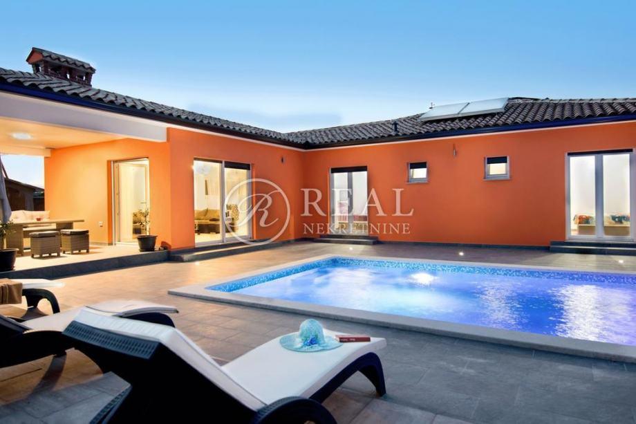 Predivna villa 160 m2, bazen, Labin (prodaja)