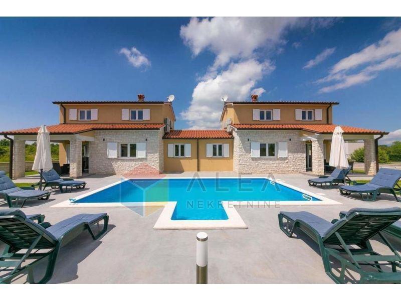 Prekrasna kuća s dva dvoetažna stana (prodaja)