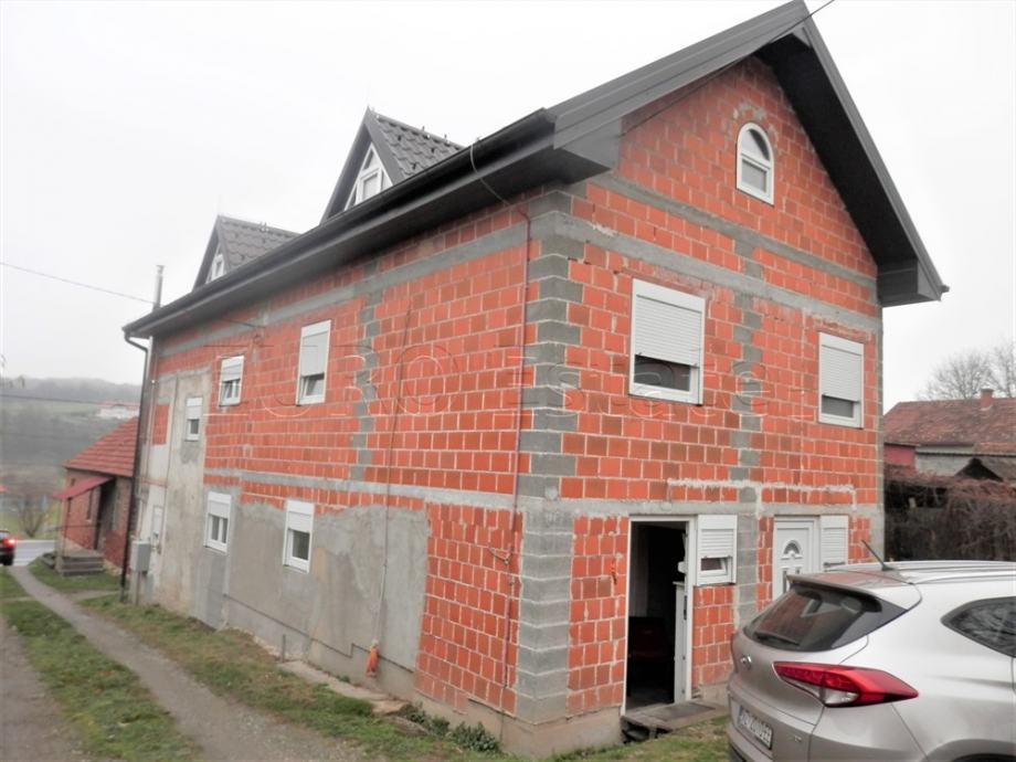 Presečno: prostrana katnica od 200 m2, prodaja hitna (prodaja)