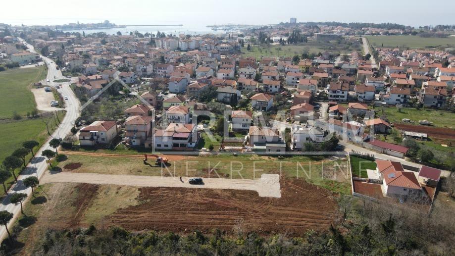 Prodajemo građevinsko zemljište, 700m do centra grada