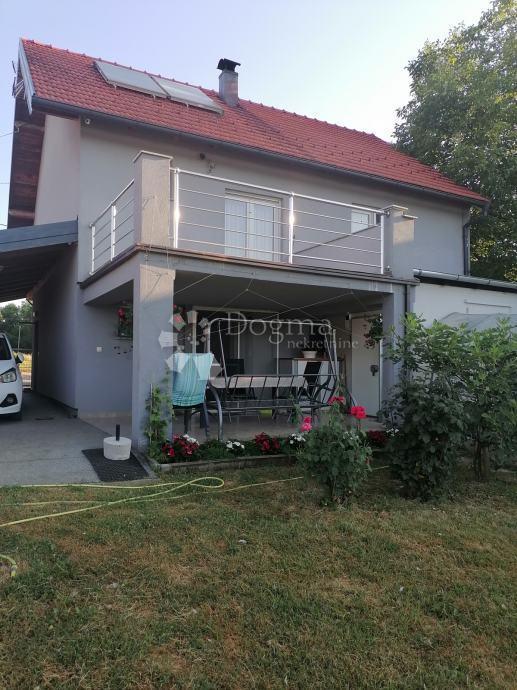 Prodaja kuće Barbarići Kravarski, 180,1 m² + 2519,00 m² (prodaja)