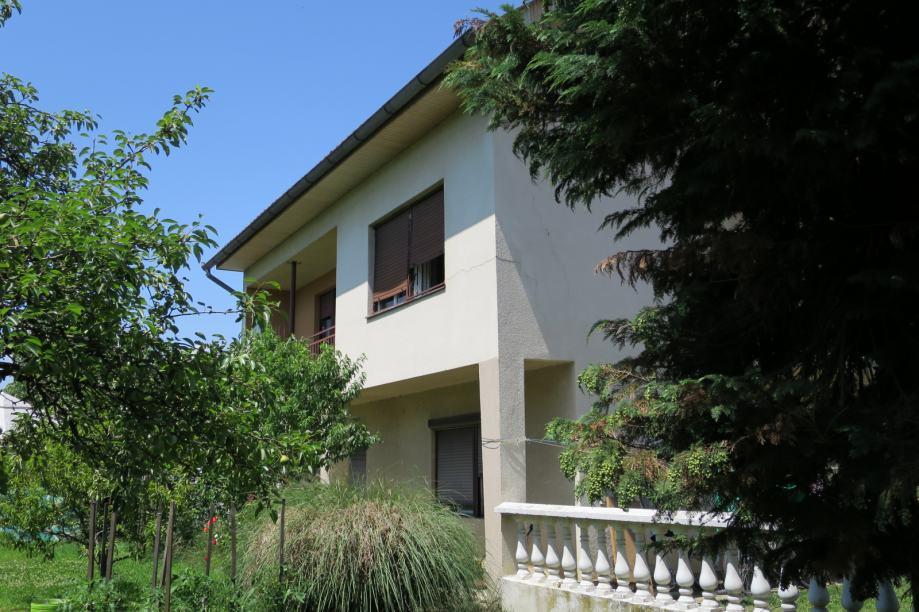 Prodaje se kuća, gradilište i poslovni prostor u Požegi, 270.000 eura (prodaja)