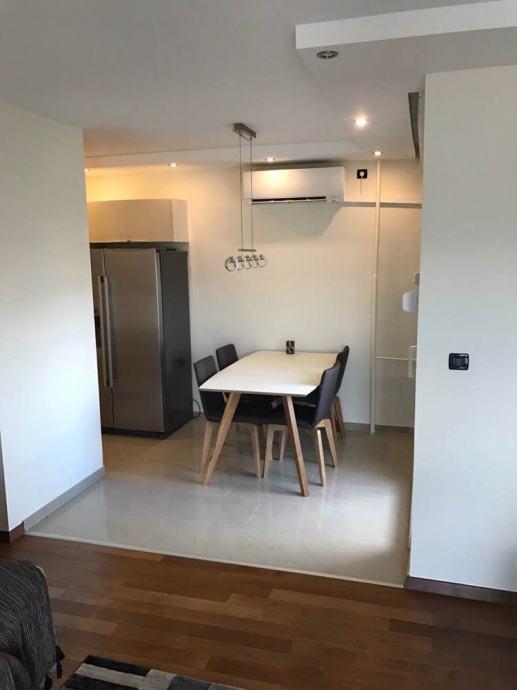 Prodajem stan na Blatinama, 64 kvadrata, novo renoviran (prodaja)