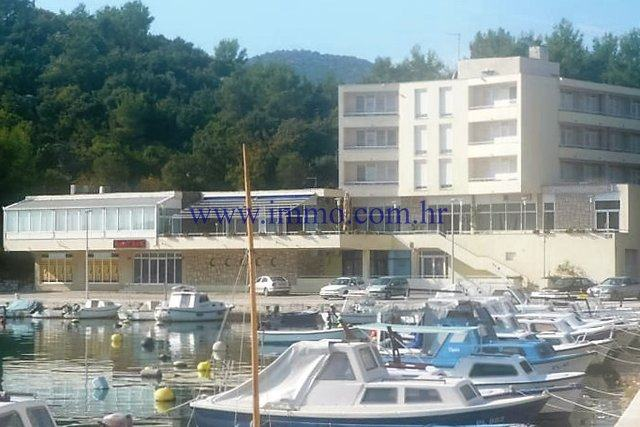 PRVI RED DO MORA, HOTEL, 40 SOBA I 6 APARTMANA, PARKING, RESTORAN (prodaja)