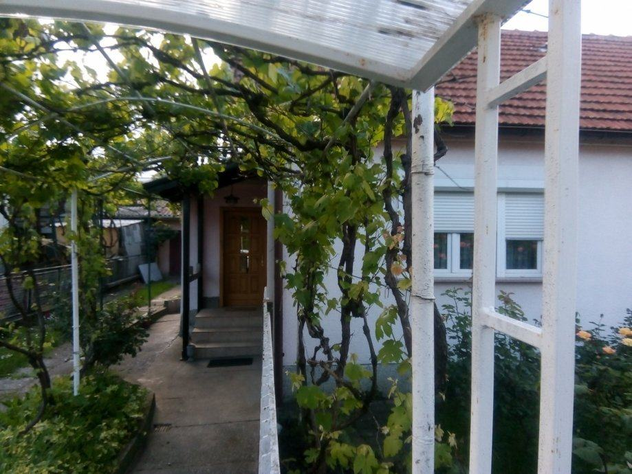 RAVNICE, kuća 76 m2 na parceli 350 m2, PRILIKA ZA